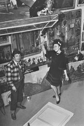 И.С. Глазунов и Г.Л. Брежнева в мастерской художника. Москва