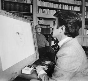 Илья Глазунов за работой над портретом члена Кабинета министров Франции Эдгара Фора. Париж